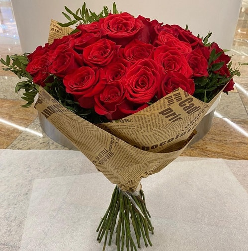 Large Bouquet of Red Roses